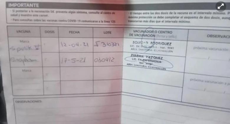 Carnet de vacunación: recibió la segunda dosis de otra vacuna por error.